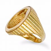 9ct Gold engraved Half Sovereign blank coin ring 5.5g